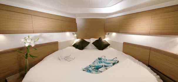 Sun odyssey 45ds vacanze in barca a vela for Noleggio cabina di steamboat